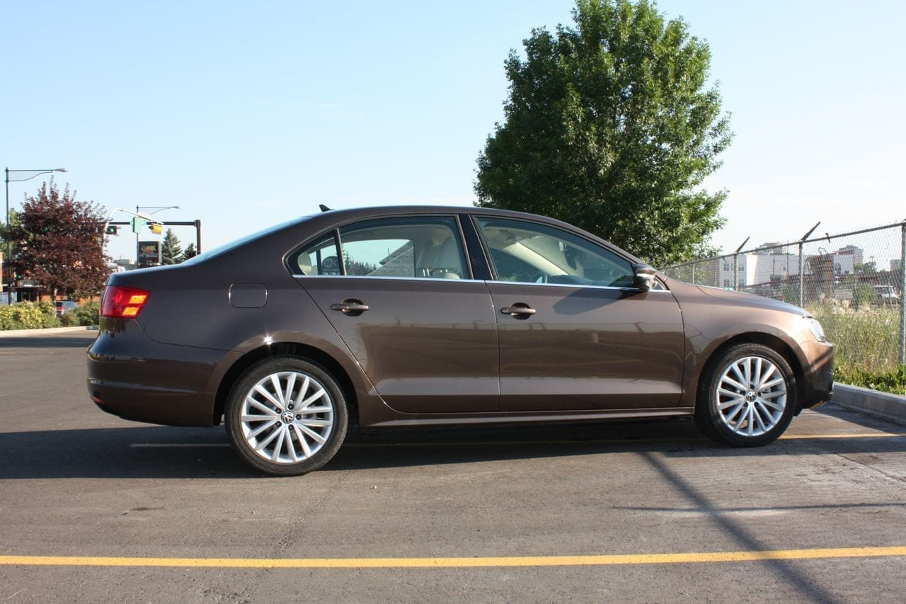 review 2012 vw jetta tdi highline wildsau. Black Bedroom Furniture Sets. Home Design Ideas