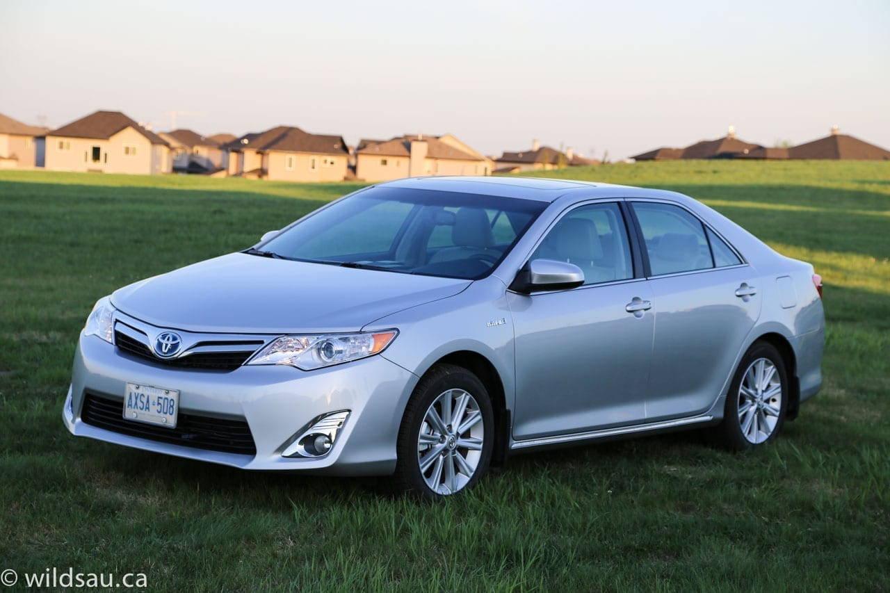 review 2014 toyota camry hybrid xle. Black Bedroom Furniture Sets. Home Design Ideas
