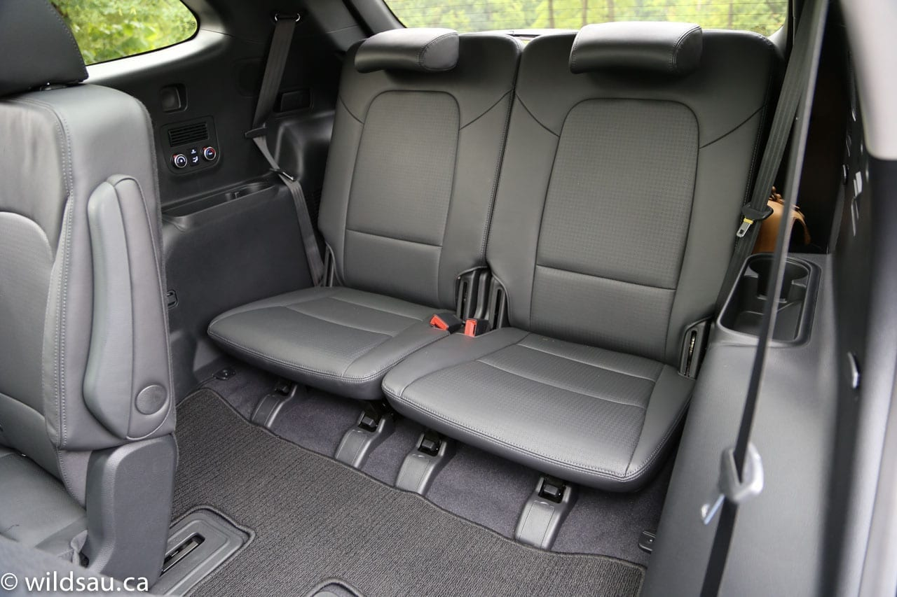 hyundai santa fe with 3rd row seating autos post. Black Bedroom Furniture Sets. Home Design Ideas