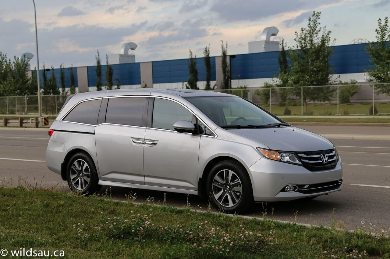 review 2014 honda odyssey touring. Black Bedroom Furniture Sets. Home Design Ideas