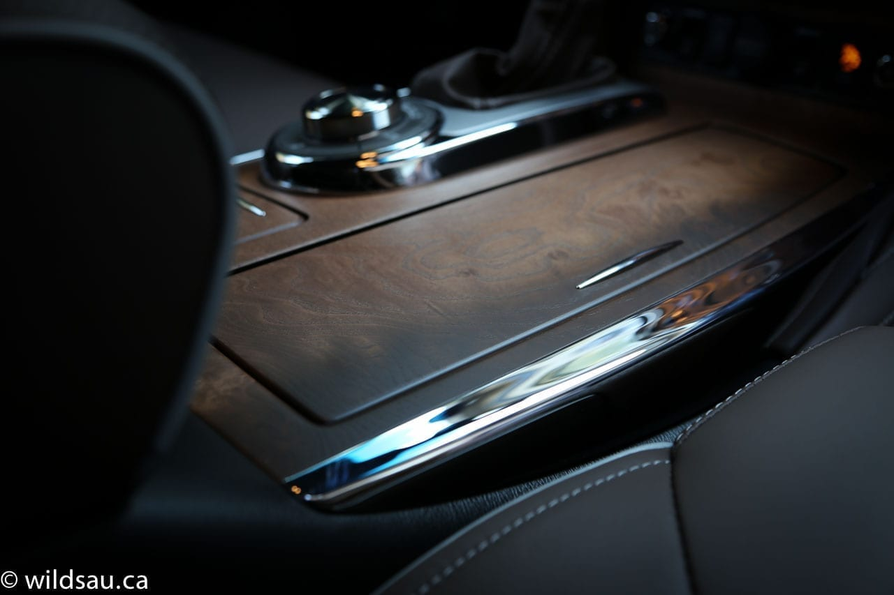 console wood detail
